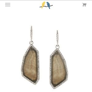Stunning drop earrings!